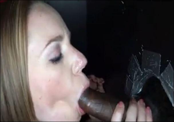 sperme en bouche elle le suce encore et toujours